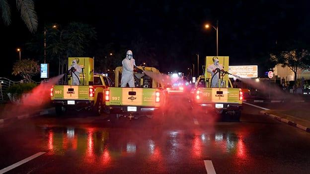 بلدية دبي تتعاون مع الدوائر الحكومية في حملة تعقيم وتطهير طرق وشوارع ومرافق دبي